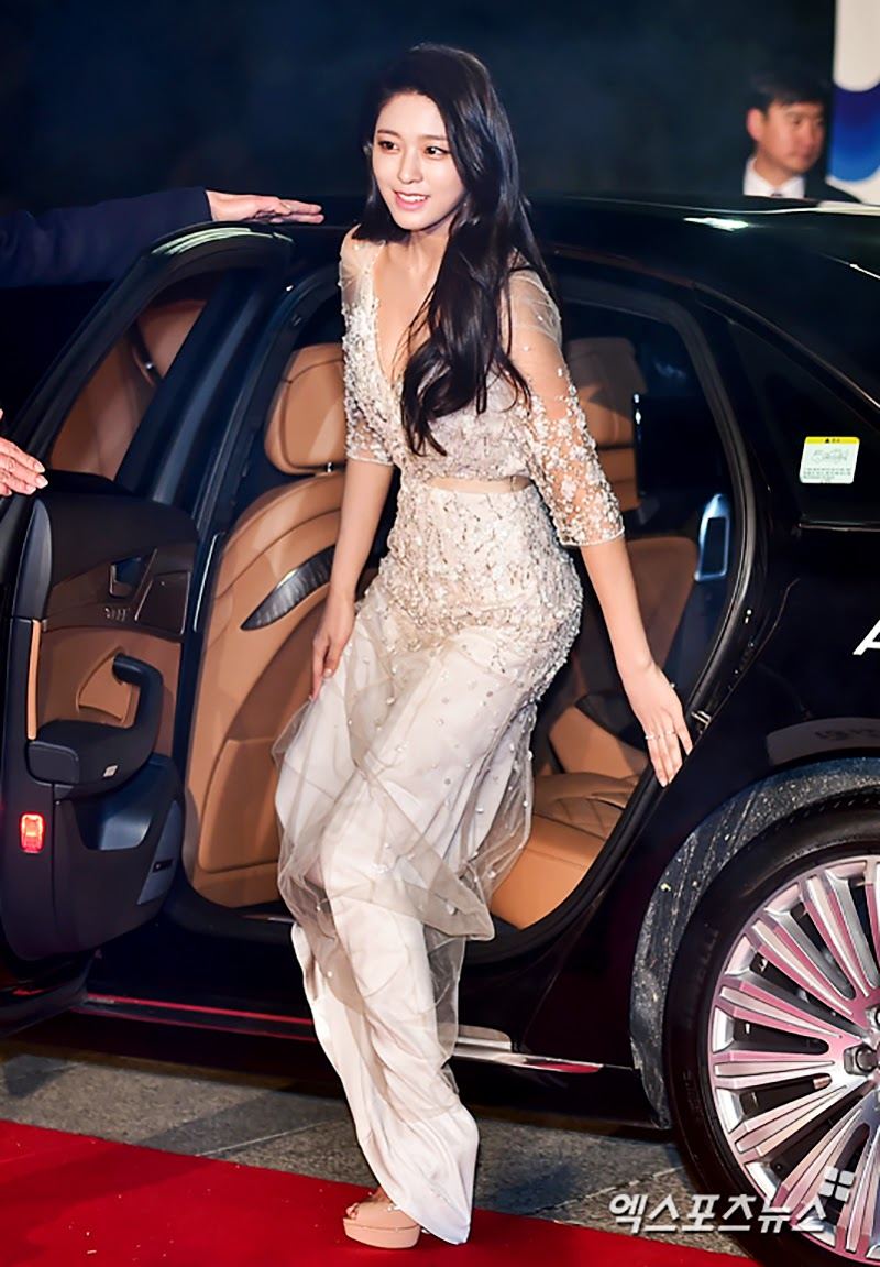 Fans Eyes Exploded When Seolhyun Appeared At Red Carpet
