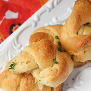 Skillet Garlic Knots Recipe