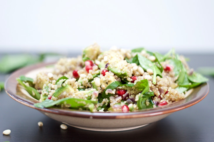 Warm Quinoa, Spinach & Pomegranate Salad Recipe | Yummly