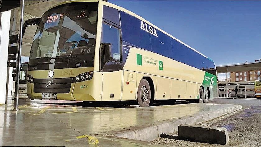 Autobús del Consorcio Metropolitano de Transportes en la Intermodal