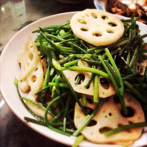 chinese, chives, easy, garlic chives, Lotus Root, recipe, stir fry, vegetable, 炒, 蓮藕, 韭菜花