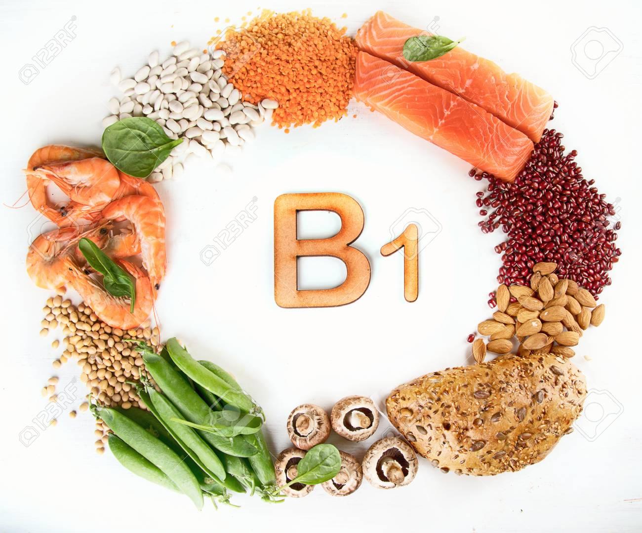 Các loại đậu, hạt, thịt nạc heo là nguồn Vitamin B1 dồi dào giúp tóc khỏe đẹp