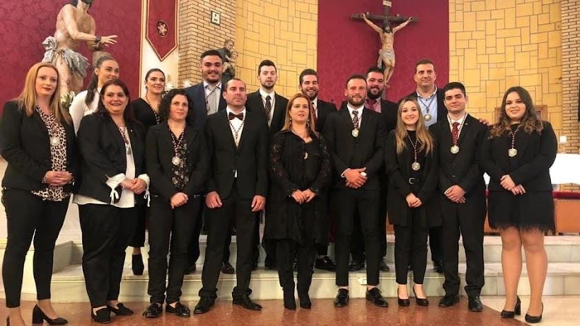 La actual junta de gobierno de la Unidad con su hermana mayor en el centro de la imagen.