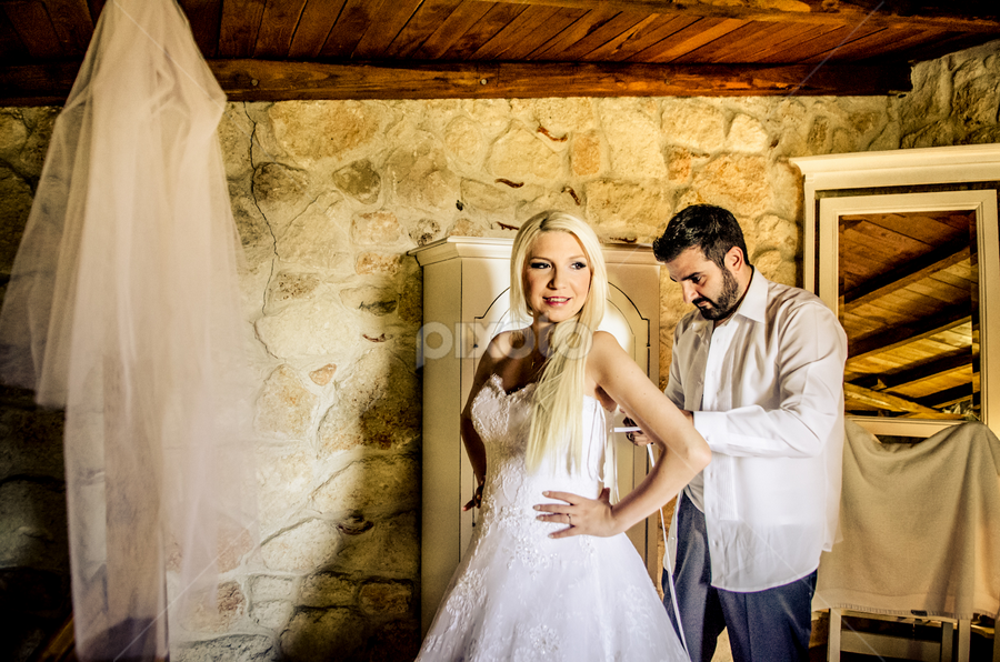 SofiaCamplioniCom (5102) by Sofia Camplioni - Wedding Getting Ready