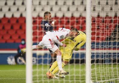 🎥 Anthony Lopes (Olympique Lyonnais) en rajoute des tonnes après un contact face au PSG