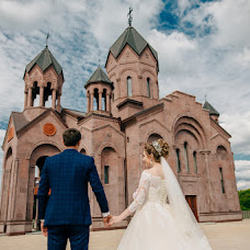 Wedding photographer Roman Kharlamov (romanno93). Photo of 11.07.2017
