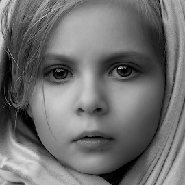 colors through black and white by Julian Markov - Black & White Portraits & People