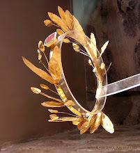 Photo: Gouden olijkrans