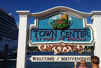 Photo: Town Center oli ehkä hiukan liioittelua, kylä voisi olla parempi kuvaus paikalle