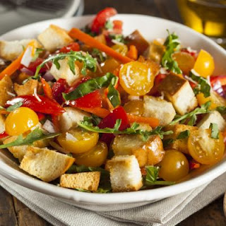 5-Ingredient Panzanella Salad