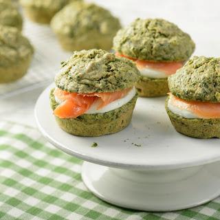 Spinat-Muffins mit Räucherlachs