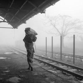 winter & worker by Ko Lwin - Uncategorized All Uncategorized