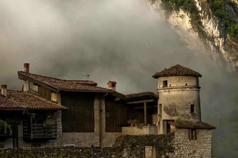 Il borgo fra le nuvole di Croatti Carlo