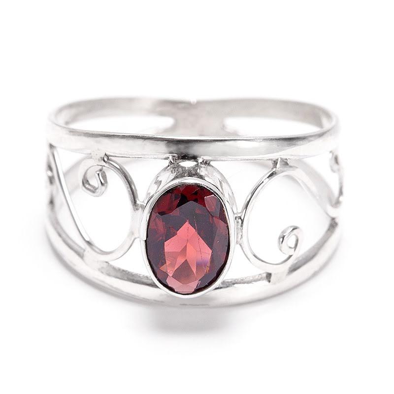 Granat, ring med silverdekor