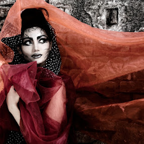 :: Embracing The Beauty of Sadness #3 :: by Andi Ilham - People Portraits of Women