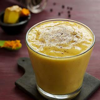 Ginger Turmeric Smoothie (Golden Milk Smoothie).