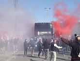 🎥 Les supporters du Standard viennent encourager leurs joueurs à la veille de la finale