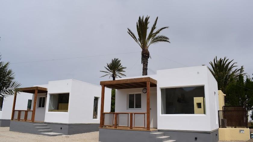 Los bungalows son modernos y espaciosos.
