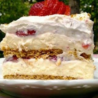 STRAWBERRY CREAM CHEESE CAKE.