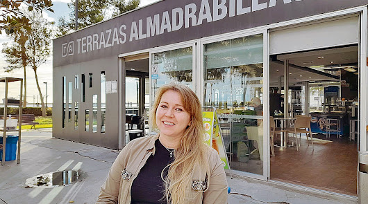 """""""Cada día me paro frente al mar y doy gracias a Dios por vivir en España"""""""