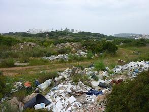 Photo: La zona darrere la urbanització Ses Tanques, un conjunt d'abocadors incontrolats, des de fa temps