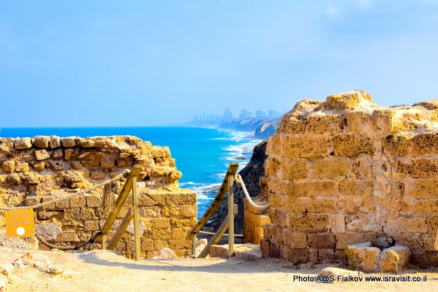 Руины древней крепости Арсуф - Аполлония. Экскурсия в Израиле.