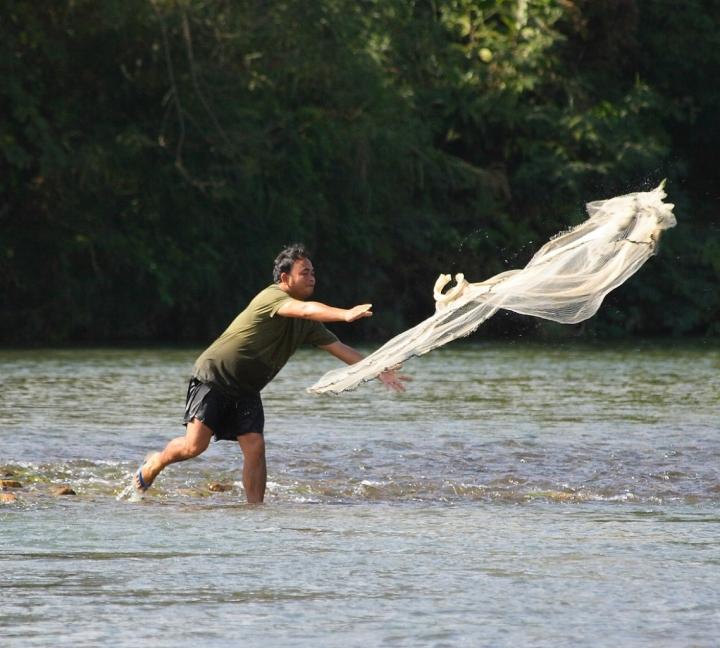 Pescare al volo nel Laos di cesare