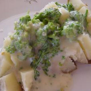 Baked Potatoes with Broccoli Cheese SauceYum.