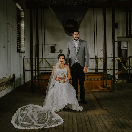Wedding photographer Fernando Regalado (fernandorega). Photo of 23.11.2016