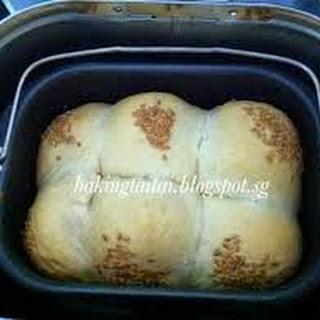Baking Taitai's Hokkaido Milk Buns with Cream Cheese & Dried Cranberries fillings (Breadmaker recipe) 烘培太太的北海道牛奶小麵包加奶油乳酪与蔓越莓干 (面包机食谱)
