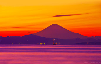 Photo: A hazy fuji's sunset from afar... #skysunday #cloudweek #mountainmonday #MinimalMonday
