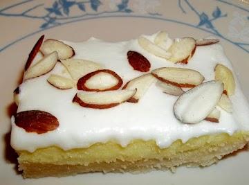 Almond Cheesecake Bars Recipe