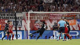 Marcelo marca de zurdazo perfecto el 1-1.