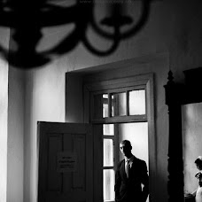 Wedding photographer Viktor Fedotov (vicf). Photo of 20.12.2013