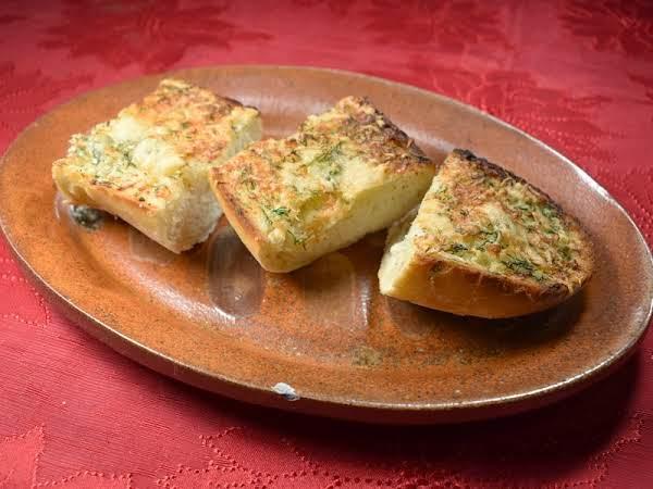Dilled Garlic Bread