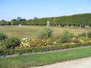 Photo: The château's grounds are extensive and popular on a sunny Saturday afternoon.