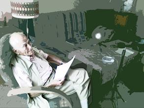 Photo: Pan Eliáš před načtením příspěvku z knihy od Clauda Lanzmanna Šoa do diktafonu (polovina září 2011).