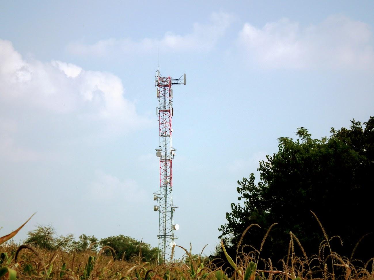 Hatvan/szőlőhegy, Telekom torony - helyi URH-FM adóállomás