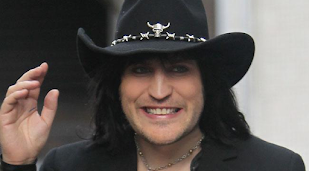 Noel Fielding told to 'toughen up' by GBBO bosses