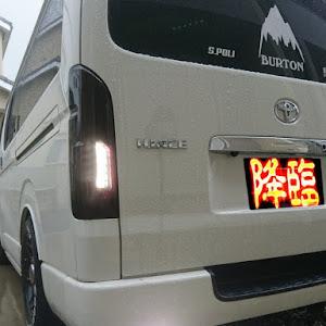 ハイエースバン TRH200V 平成16年式のカスタム事例画像 BEPさんの2018年09月15日15:19の投稿