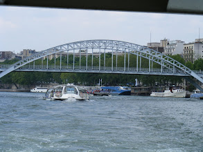 Photo: The river is crowded for our noon excursion, with several other tour boats lined up behind us.