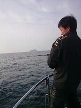 """Photo: 水面に出てたのでキャスト! """"ハヤシダさん""""フィーッシュ!"""