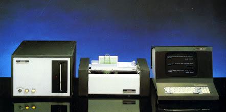 Photo: Model 10/3 amb Impr. 1551 i pantalla T1800. Terminal compatible IBM-3270, per la DGT i altres