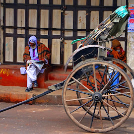 Kolkata street at morning  by Asif Bora - People Street & Candids (  )