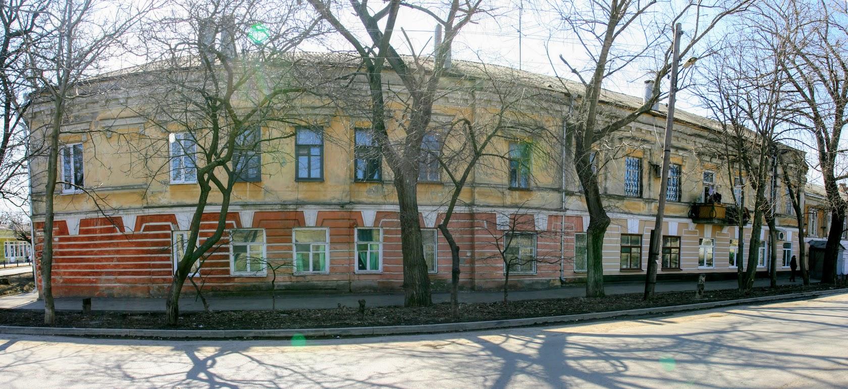 https://sites.google.com/site/istoriceskijtaganrog/cehova-ulica/dom-131