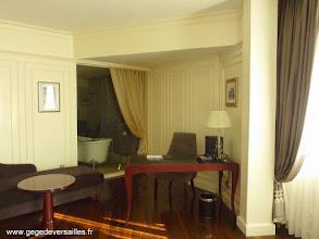 Photo: #011-La chambre du Sofitel Legend Métropole à Hanoï