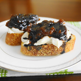 Goat Cheese, Fig and Balsamic Crostini