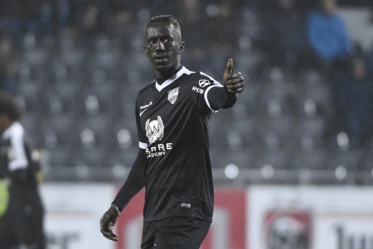Transfervrije Mbaye Leye staat dicht bij terugkeer in de Jupiler Pro League (en kan gezelschap krijgen van nog twee bekenden)