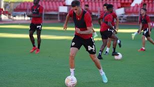Juan Villar vuelve a entrenar con el grupo dos meses después de lesionarse.