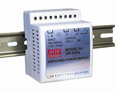 Spänningsaggregat switchat, 45 W, 2,8 A, 15 VDC